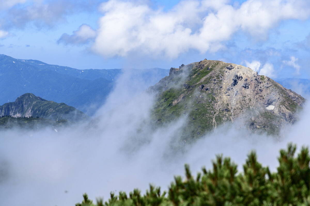 新潟焼山の画像