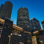 名古屋のビルと夜景の画像